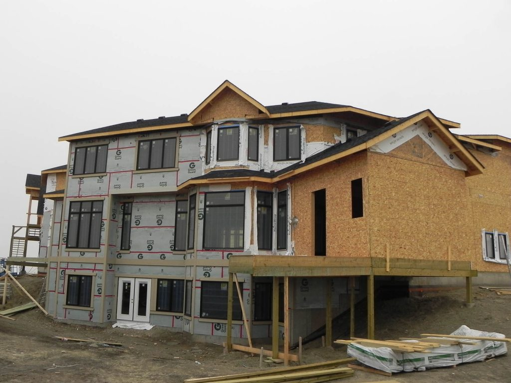 How to install building paper, insulation and Siding materials